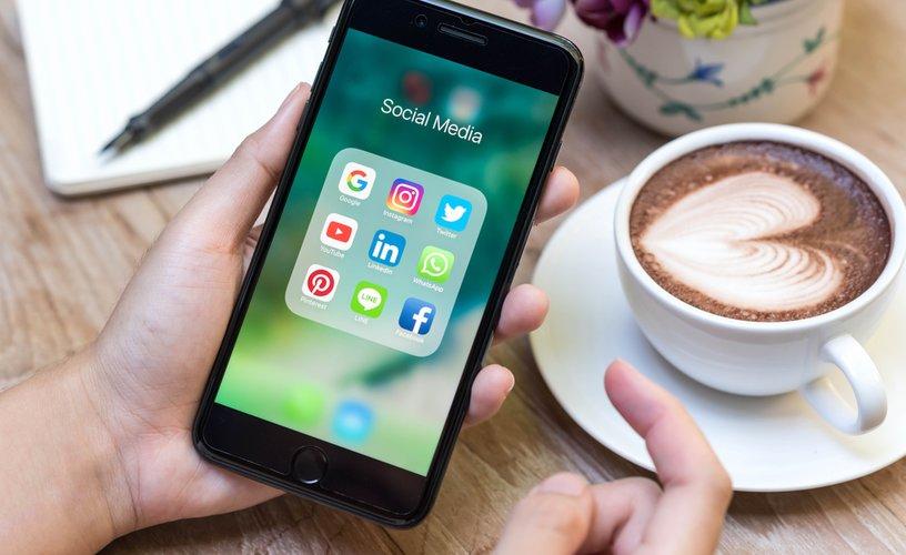 Mua sắm trên mạng xã hội: Tương lai của thương mại xã hội